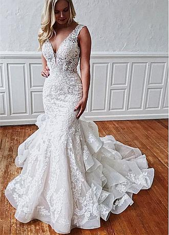 Attractive Tulle V-neck Neckline Mermaid Wedding Dresses With Lace Appliques & Beadings