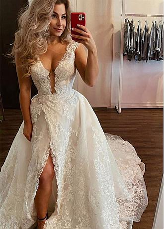 Glamorous Tulle V-Neck A-line Wedding Dresses With Slit & Lace Appliques