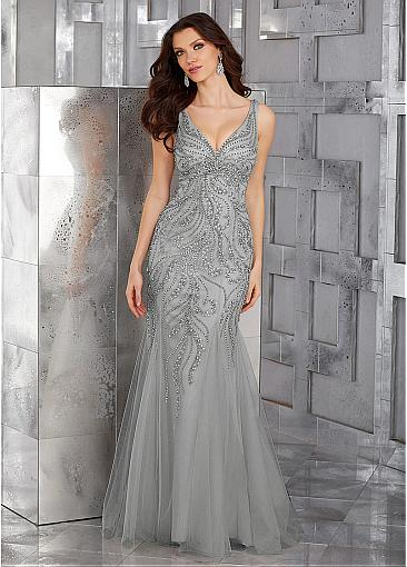 Eye-catching Tulle V-neck Neckline Mermaid Mother Of Bride Dresses With Beadings