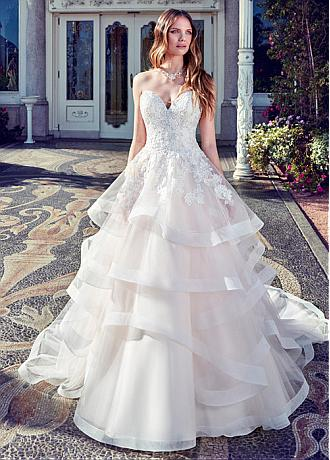 Gorgeous Tulle Sweetheart Neckline A-Line Wedding Dress With Lace Appliques & Sequins