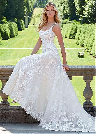 Modern Tulle Scoop Neckline A-line Wedding Dresses With Beaded Lace Appliques
