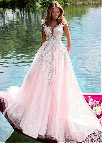Amazing Tulle & Lace Jewel Neckline A-line Wedding Dresses With Beadings & Lace Appliques